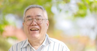 賃貸経営で高齢者は受け入れるべき?孤独死リスクと具体的な回避法